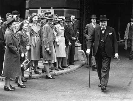Churchill with City office workers June 1943